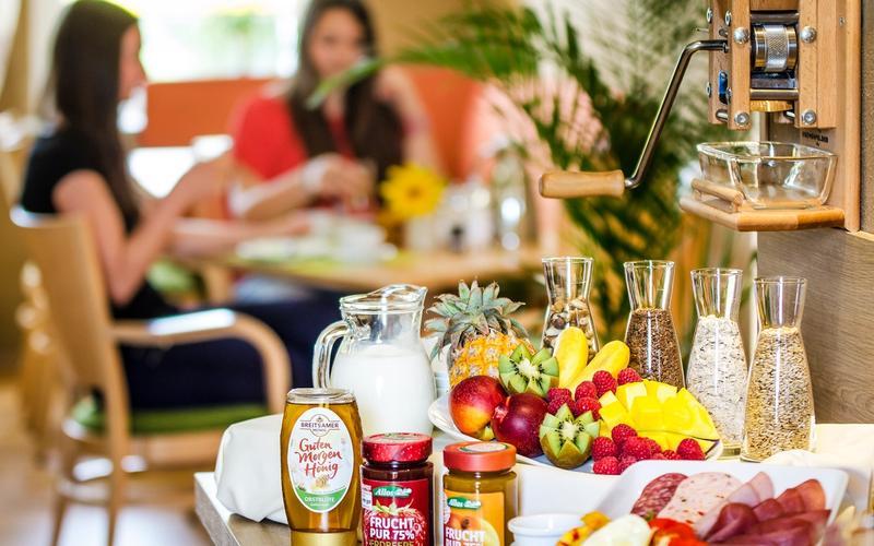Frühstück im Hotel Sonn'Idyll