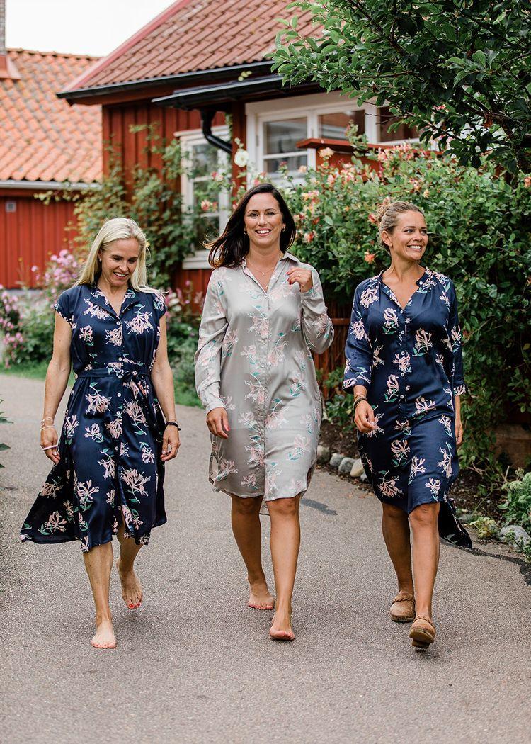"""Secondary product image for """"Let's Dance Klänning Kaprifol Marinblå"""""""