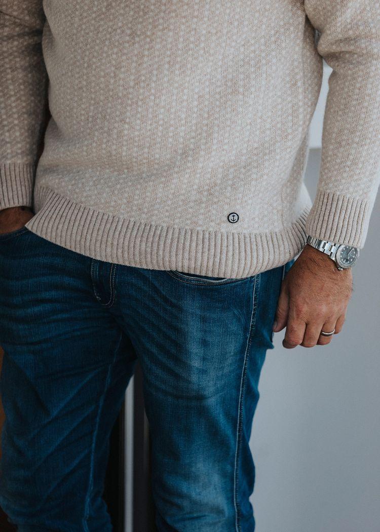 "Secondary product image for ""Knut Stickad Tröja"""