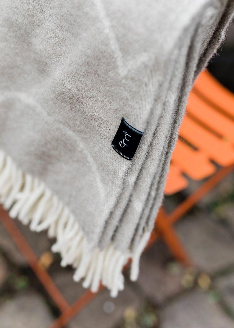 """Secondary product image for """"Ullpläd Våg Mole"""""""