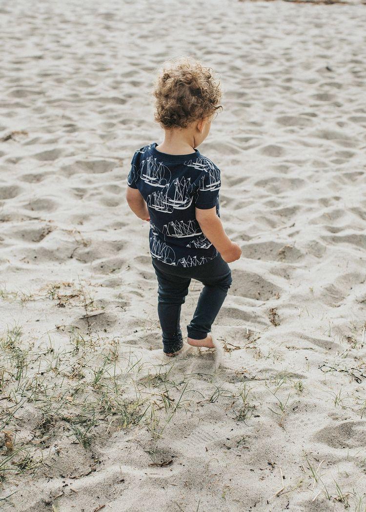 "Product image for ""T-shirt Barn Linjespel"""