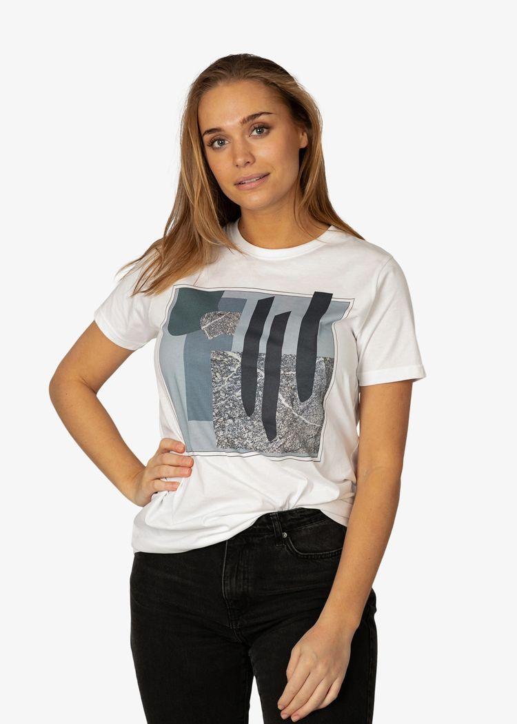 """Product image for """"T-shirt Berg Vit"""""""