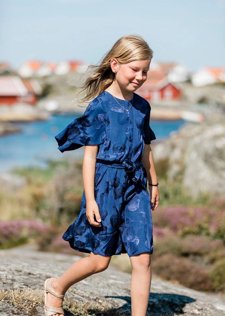 """Secondary product image for """"Tonja Klänning Snäcka Marinblå"""""""