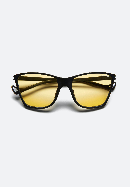 KeiichiBlack, D+ Sports Yellow