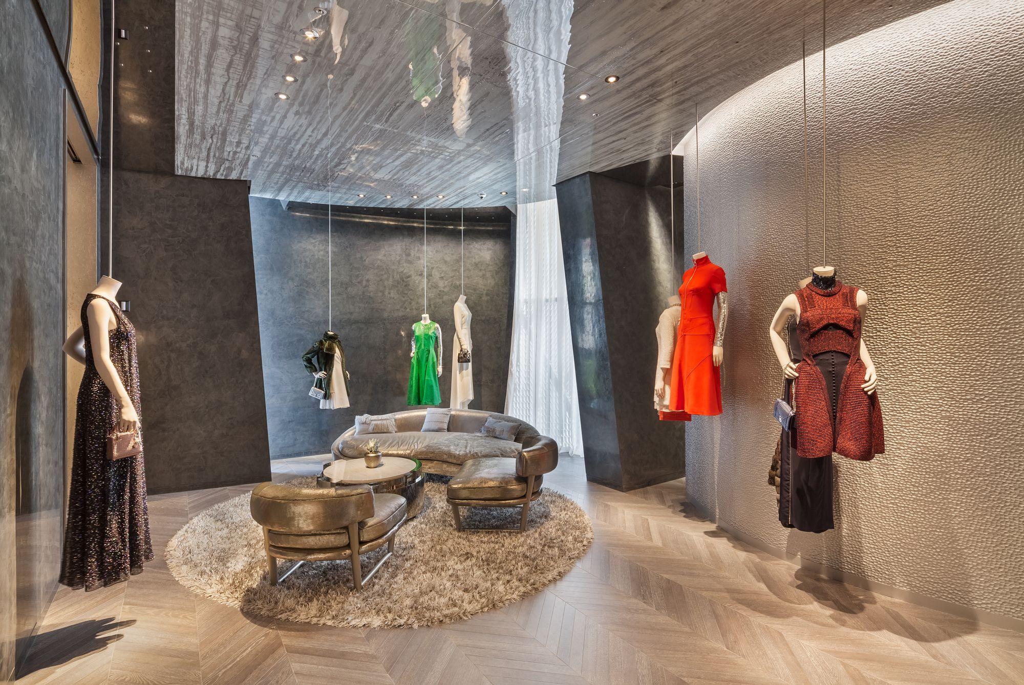 Dior Seoul, Kristen Pelou