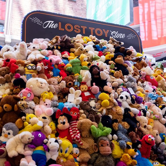 Lost toy store