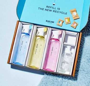 Clean Essentials Kit in box: 3 refillable cleaning bottles and tablets, 1 refillable Foaming Hand Soap bottle and tablet