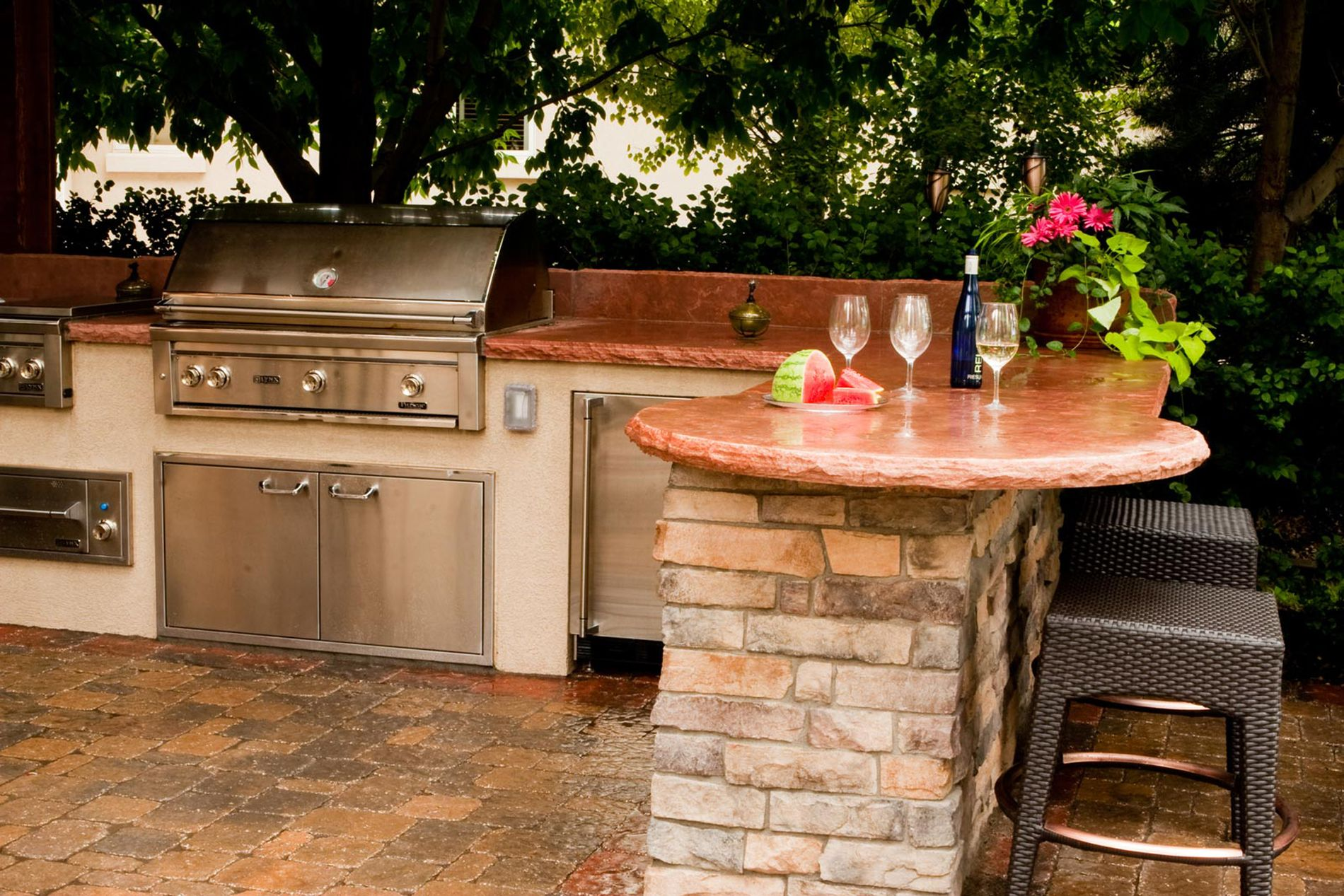 Outdoor Kitchen With Flagstone Countertop
