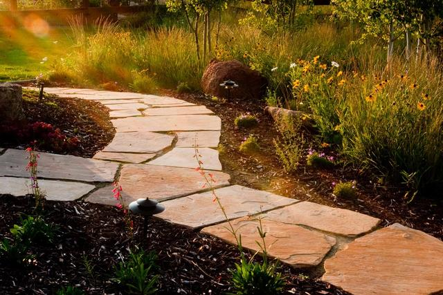 Flagstone stepper sidewalk