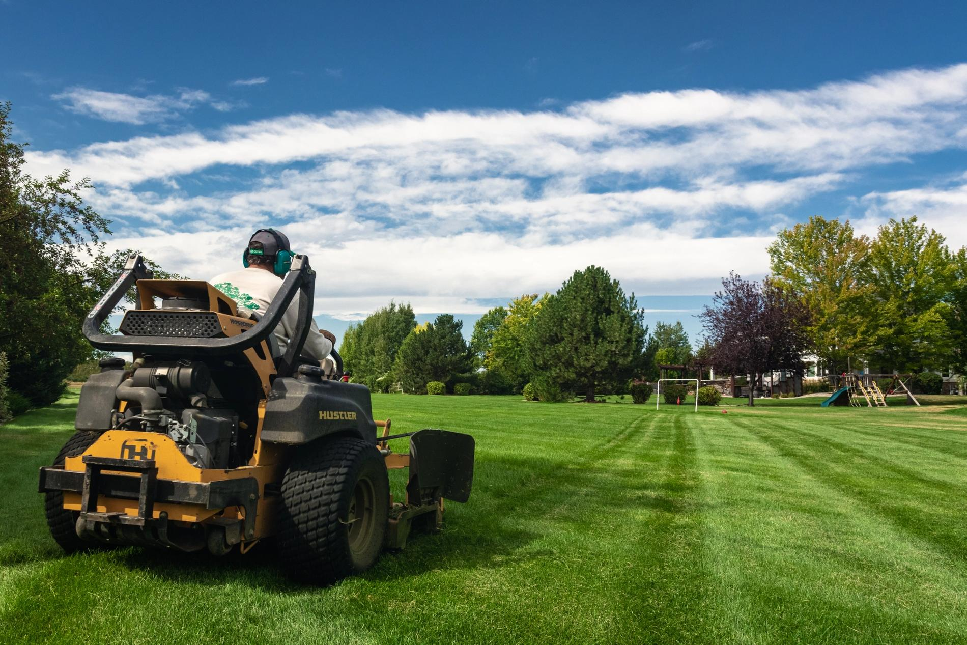 Mowing lawns with perfect lines