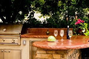 Outdoor kitchen with red flagstone counter tops