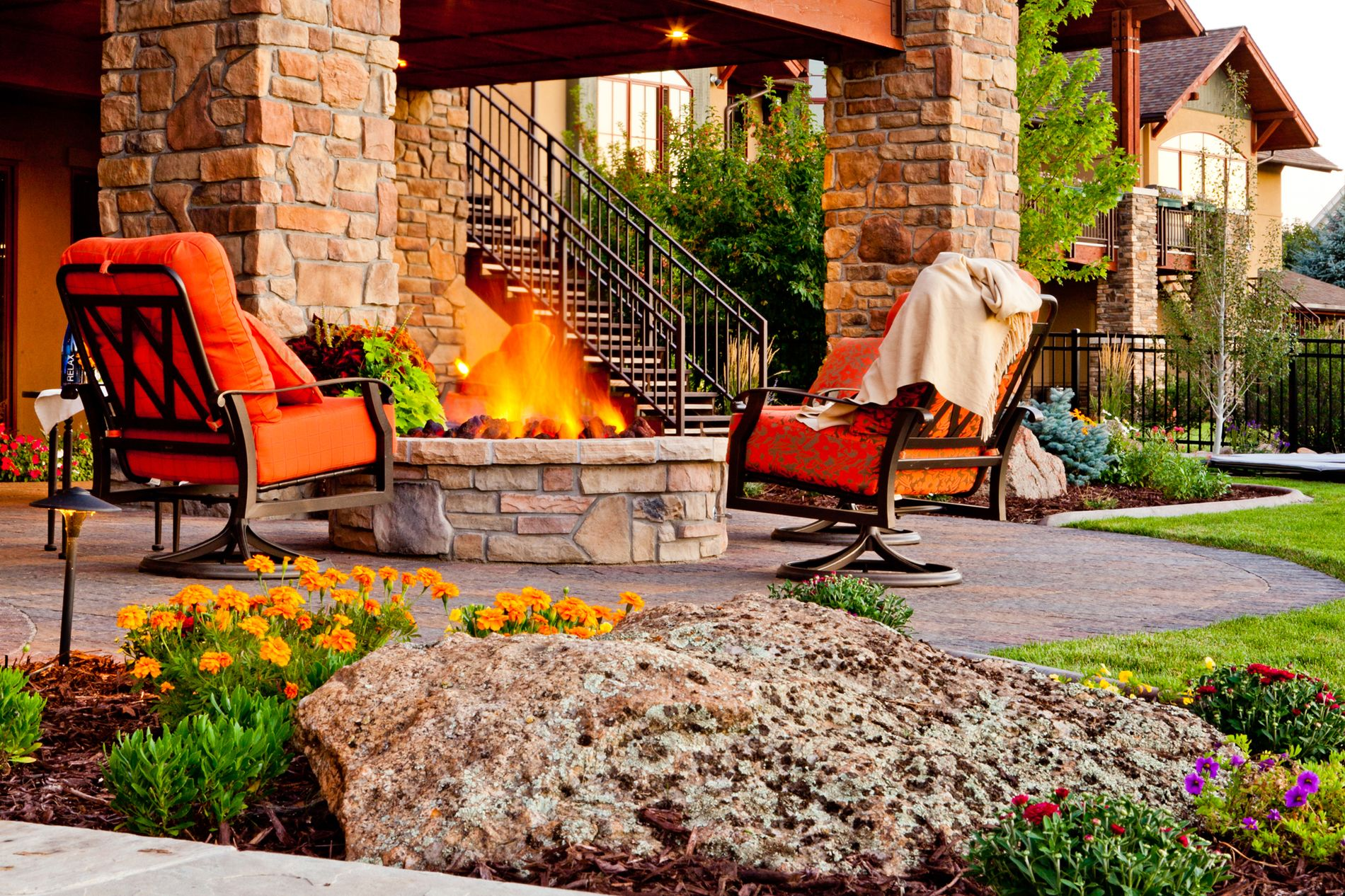 Round fire pit with paver patio