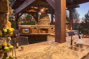 Multi-level outdoor living patios