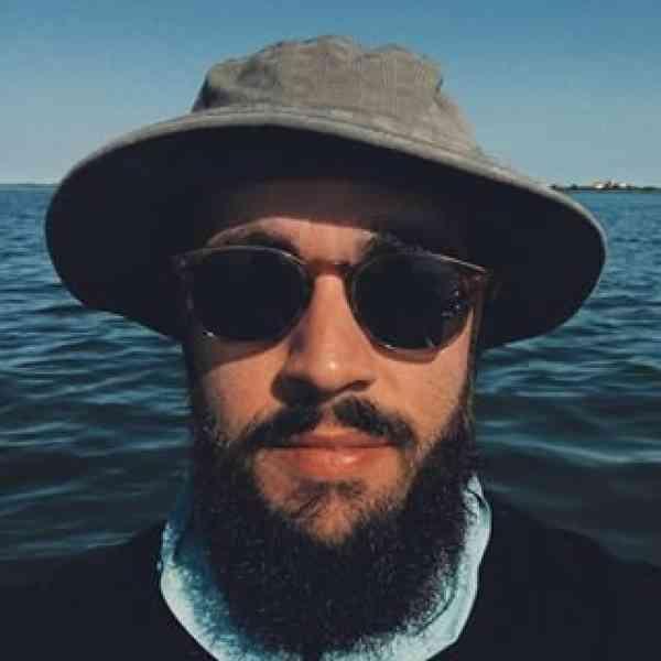 Photo of Elias Julian