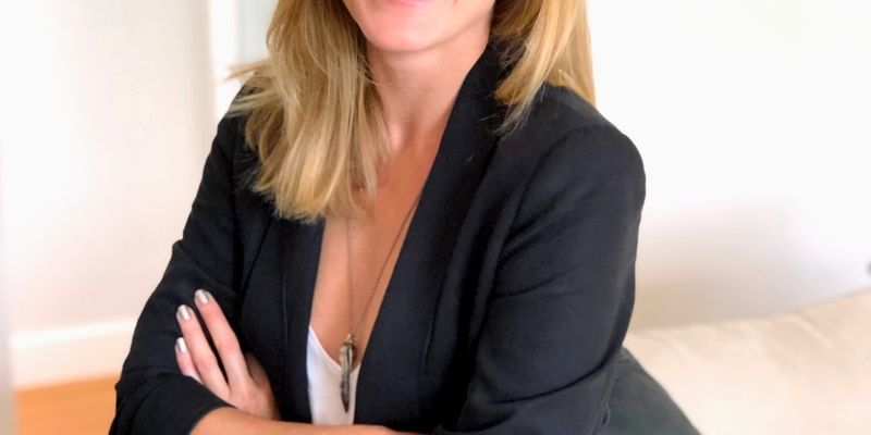 Should You Scale Your Freelance Business - Kate Collinson - Podcast - Image - She Mentors