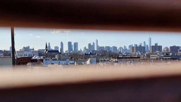 Manhattan seen from a Brooklyn rooftop