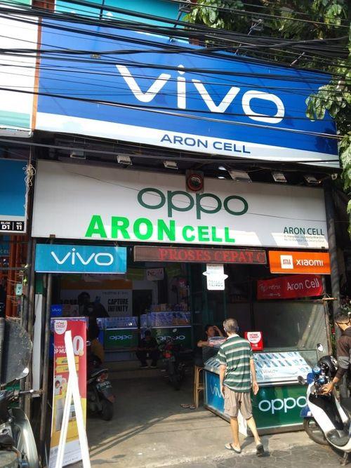Kios tempat usaha pinggir jalan ramai Mangga Dua Selatan Jakarta Pusat