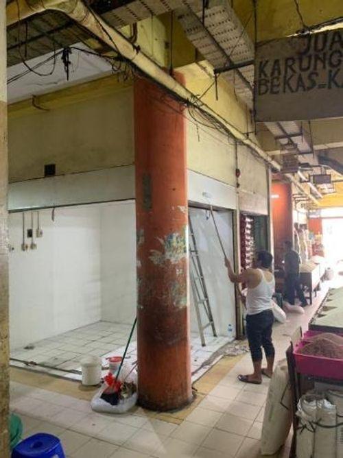 Kios murah di Pasar Kopro Petamburan Jakarta Barat