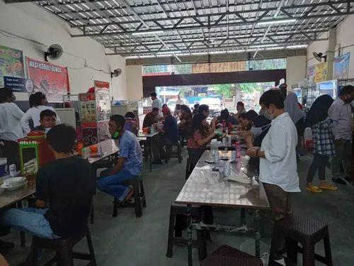 Lapak usaha di Tanah Abang Jakarta Pusat
