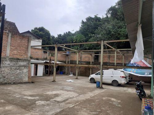 Lahan parkir gudang di Cileungsi Bogor