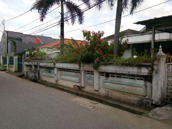 Sewa tempat usaha di teras rumah Jatibening Pondok Gede