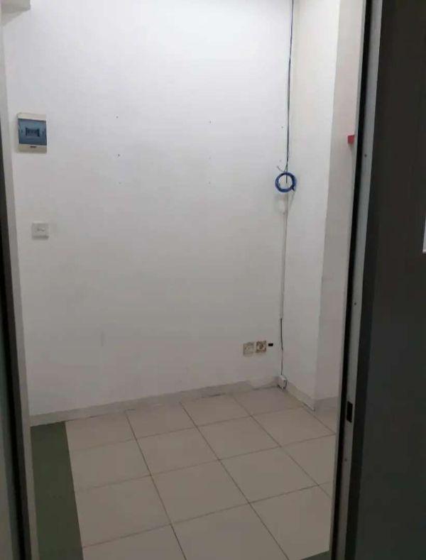 Disewakan kios lantai 2 Mangga Dua Square Jakarta Utara