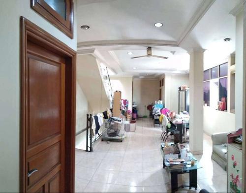 Ruko 3,5 lantai hook strategis di Ciputat Jakarta Selatan
