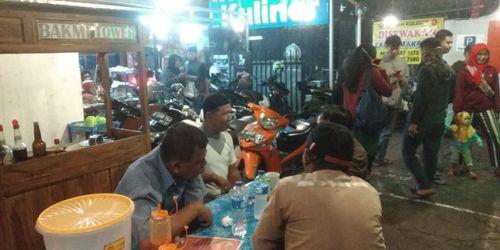 Disewakan lapak kuliner murah di Klender Jakarta Timur lokasi ramai strategis