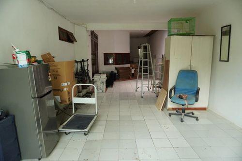 Sewa lapak usaha bulanan di garasi rumah Cipete Utara Jakarta Selatan