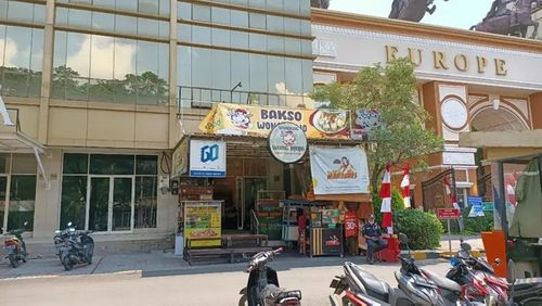 Lapak kuliner / Foodcourt di Cengkareng Jakarta Barat