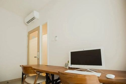 Sewa ruang kantor office space 4 pax murah di Pluit Jakarta Utara