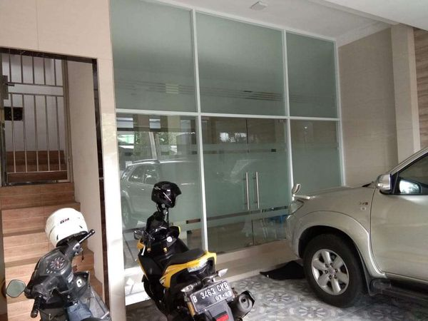 Ruko 2 lantai mewah fasilitas lengkap di Cengkareng Jakarta Barat