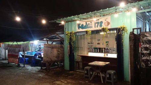 Disewakan kios tempat usaha di Mustika Jaya Bekasi