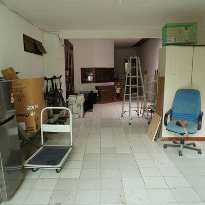 Menyewakan garasi di Cipete