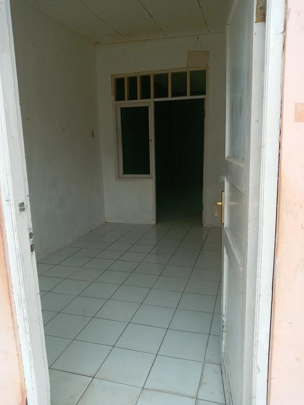 Rumah disewakan untuk gudang tempat usaha di Cikarang Barat Bekasi