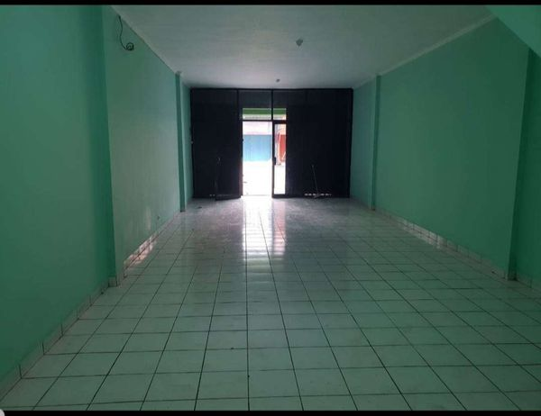 Disewakan Ruko luas 2,5 lantai di Modernland Tangerang