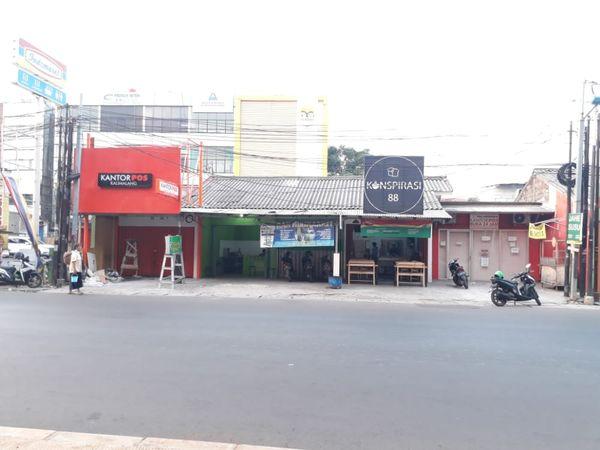 Kios strategis pinggir jalan Kalimalang Jakarta Timur