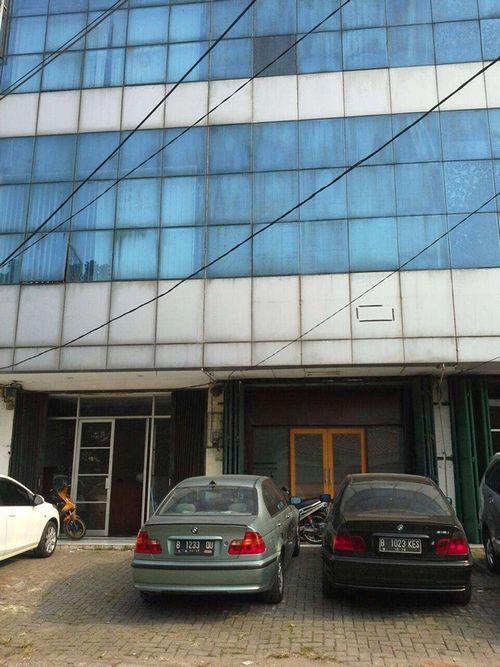 Ruko 4 lt. lokasi strategis di Tanah Kusir Jakarta Selatan