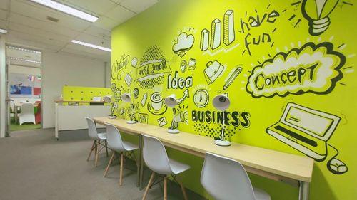 Sewa ruang kantor / serviced office space di Kuningan Jakarta Selatan