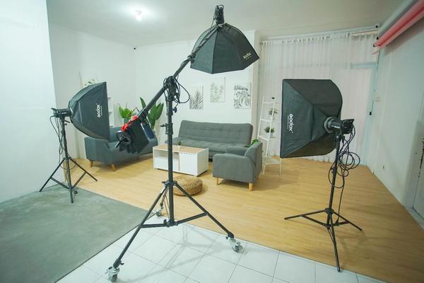 Studio foto fasilitas lengkap di Ciputat Tangerang