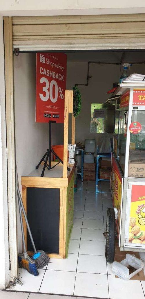 Sewa lapak usaha murah sharing di Ruko Apartemen Bassura City