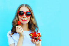 Ways to Curb Naughty Food Cravings (food cravings, sugar, salty foods) card image