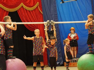 Kids performing at Laurelwood's Circus Specialty Camp