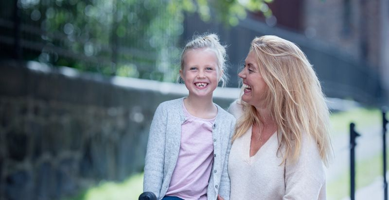 Mor og datter boligkjøpere