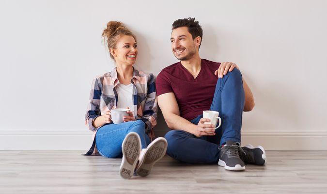 Par tar pause i nytt hjem