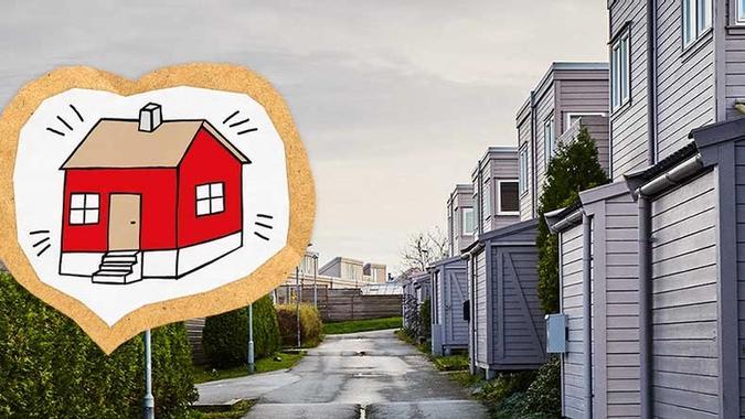 Illustrasjon av hus i hjerte over bilde av nabolag
