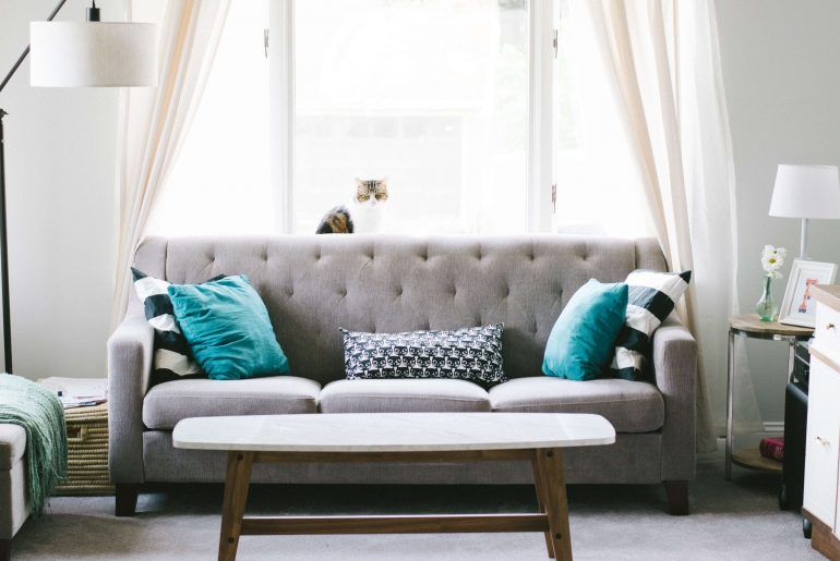 6 Easy Ways to Decorate an Apartment on a Budget