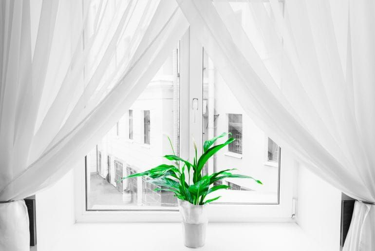 What's the Difference Between Curtains and Drapes? How to Choose the Right Look for Your Home