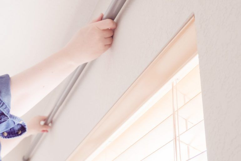 How to Choose the Right Curtain Rod for Your Room