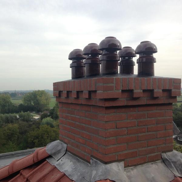 Zelf gebouwde schoorsteen